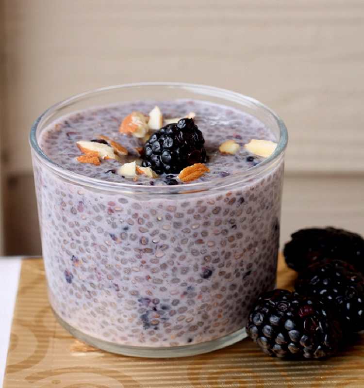 blackberry chia seed pudding